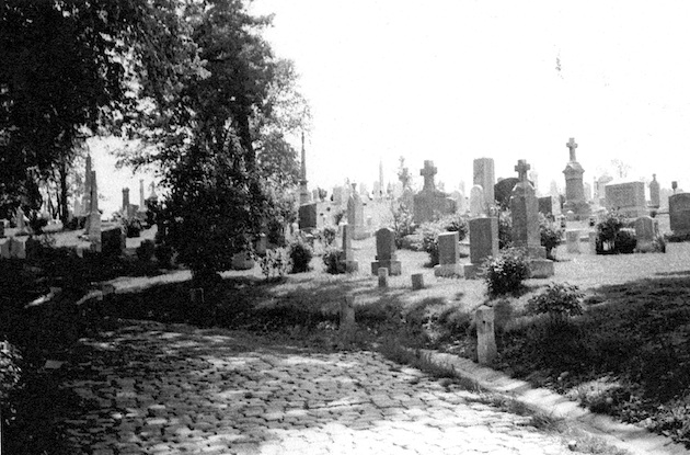 Holy Rood Cemetery in 1950, before the cobblestones were covered with asphalt. (Historical Society of Washington)