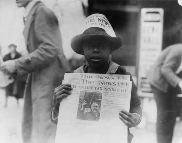 A Washington Daily News newsboy, 1921 (Library of Congress)