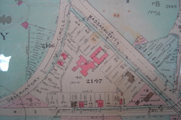 The embassy site bought in 1925 (lot 40), and the overlay of Lutyens' building completed in 1930; on the north, plots 37, 43, 44 and 45, bought by the British government circa 1950, where the present office building was completed in 1960: Normanstone, assuming it stood on the highest elevation, would have been here. (Baist Real Estate Map of Washington, 1931)
